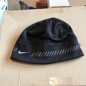Nike drift winter hat